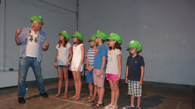 Crónica: Charles Martinet enseña a los niños a ser la voz de Mario y Luigi