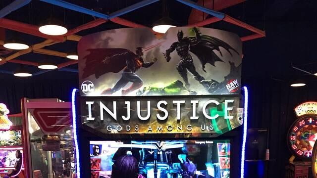 Injustice: Gods Among Us se adapta a las recreativas