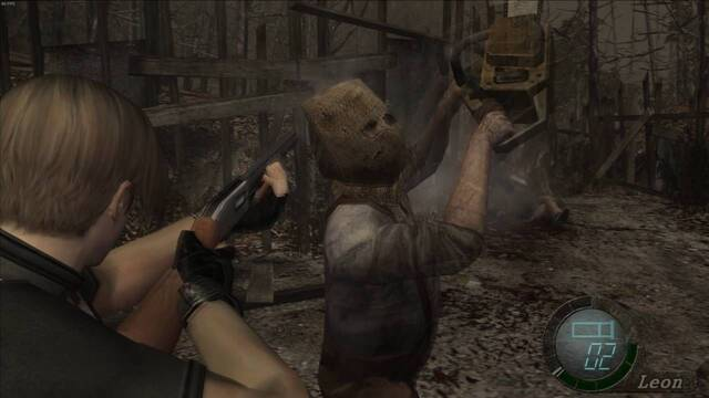 Un jugador de Resident Evil 4 acaba con el hombre de la motosierra usando una puerta