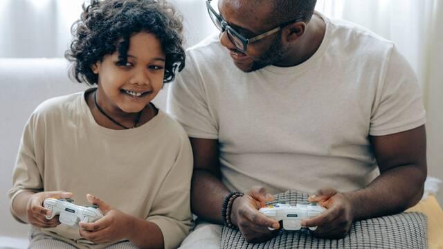 Un estudio demuestra la mejora de las habilidades lectoras en personas que juegan a videojuegos.