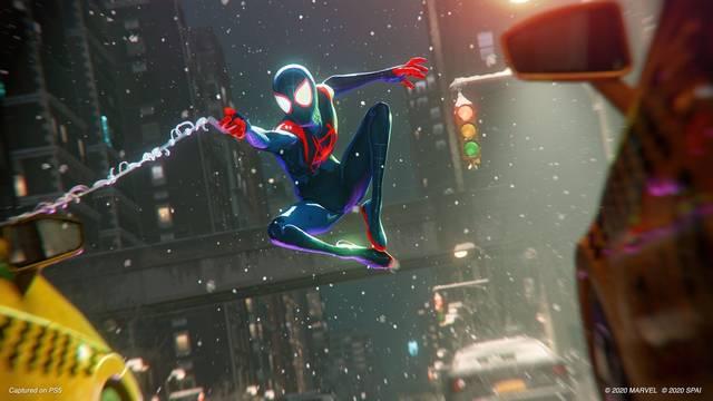 Traje de Spider-Man: Un nuevo universo en Spider-Man: Miles Morales