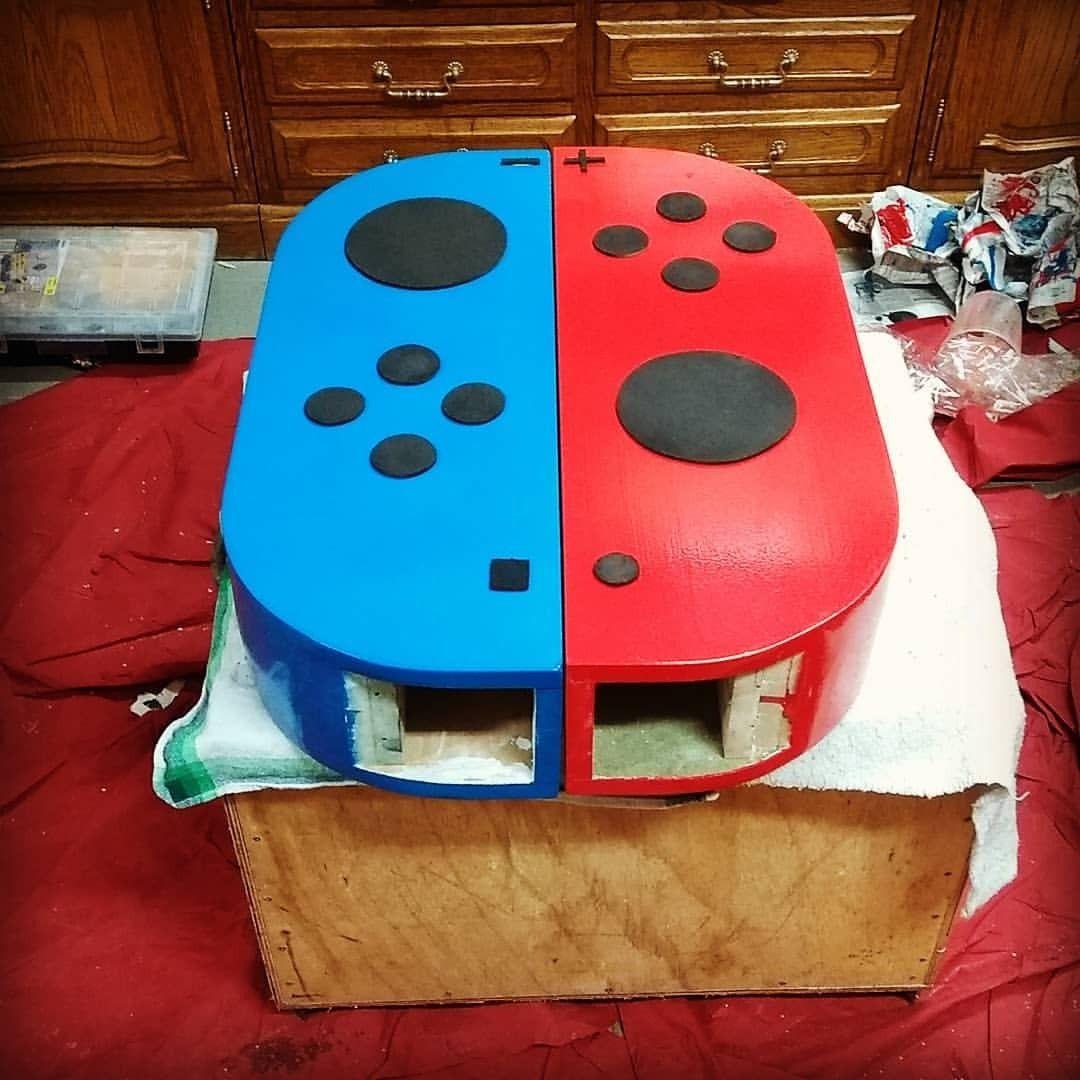 Este fan convierte su televisor en una réplica gigante de Nintendo Switch