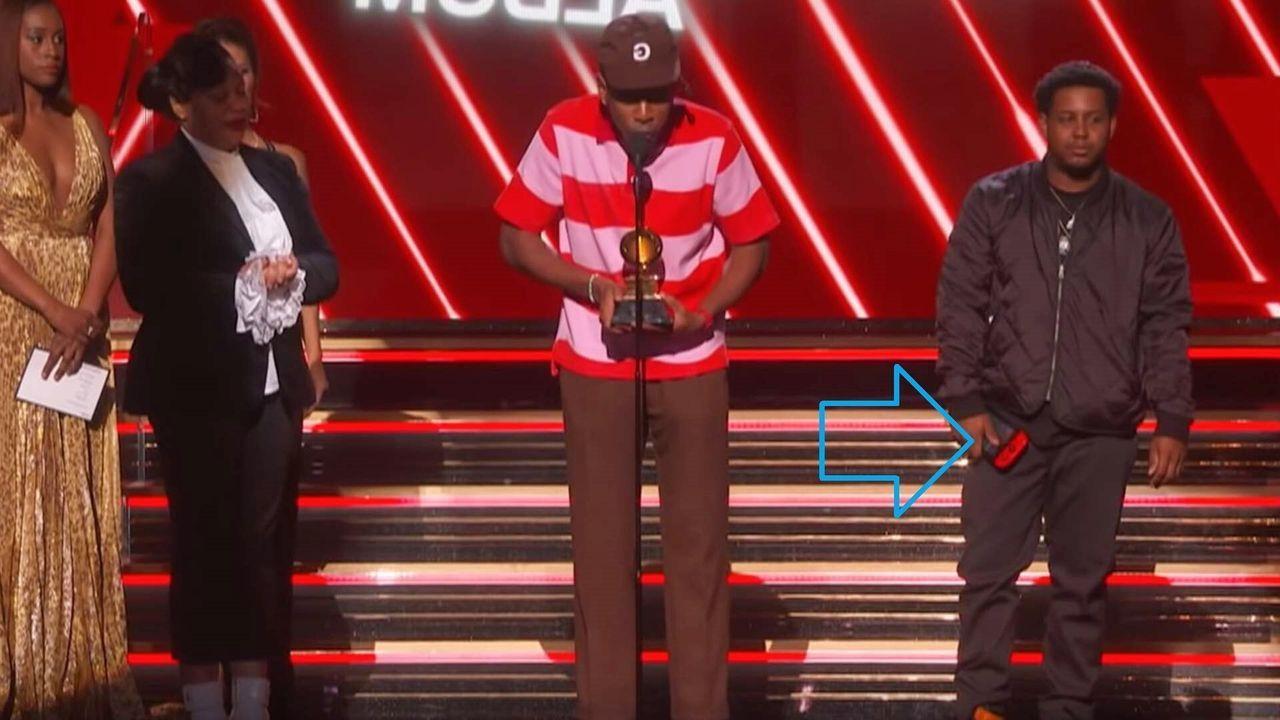 Grammys 2020: Jasper Dolphin subió al escenario con una Switch en la mano