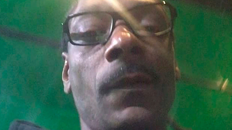 rapper Snoop Dogg criticized EA Sports for the fall of servers