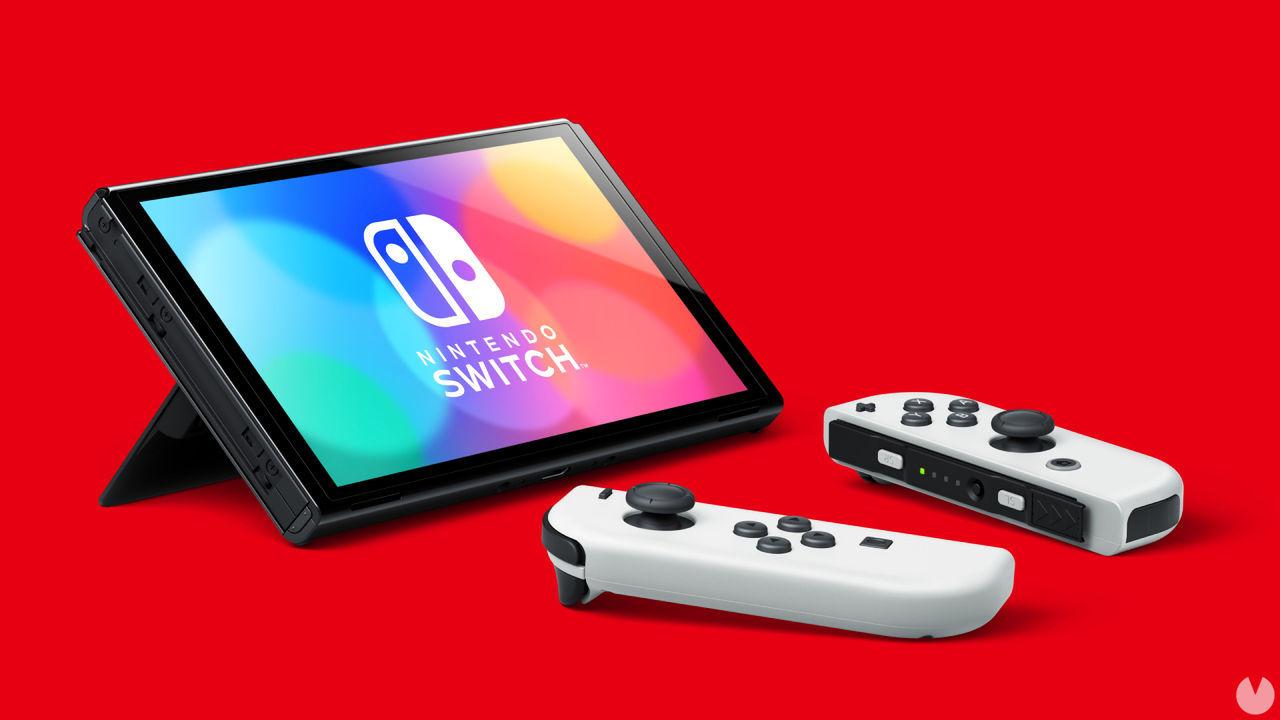 Nueva Nintendo Switch OLED con Joy Con blancos.