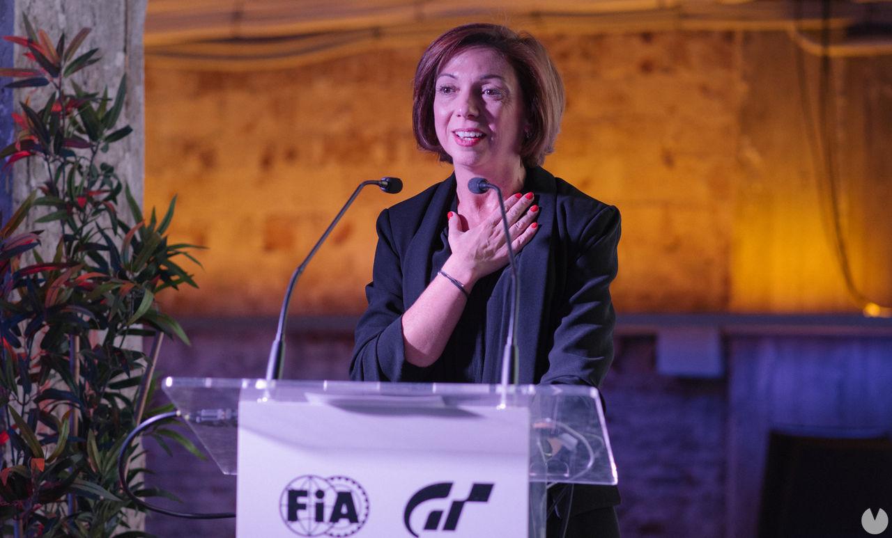 Liliana Laporte en un evento de Gran Turismo.