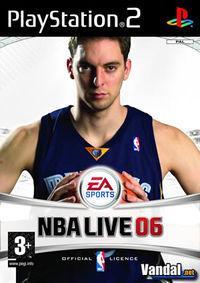 Portada oficial de NBA Live 2006 para PS2